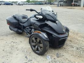 Salvage CAN-AM SPYDER
